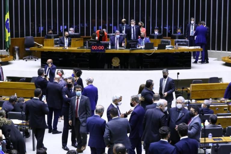 Câmara aprova texto-base da Reforma Tributária do Imposto de Renda